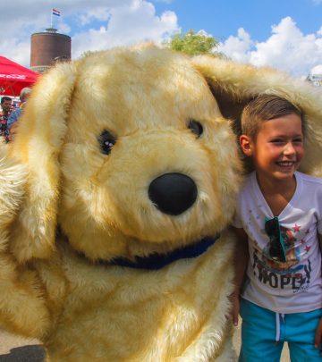 kinderfeest mascotte hond